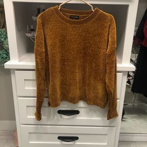 Mustard polyester sweater size small